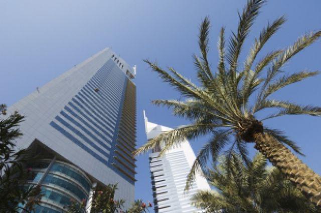 Отдых в ОАЭ закончился для полицейского увольнением.