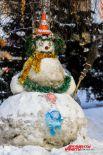 Самый веселый снеговик.