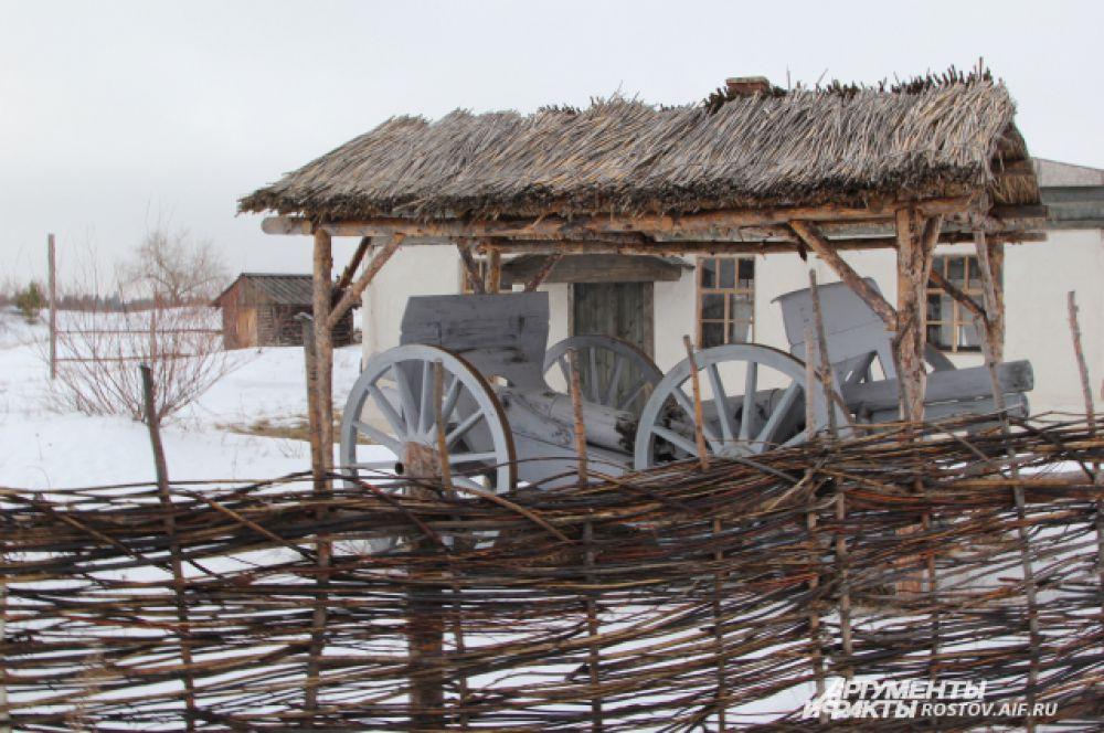 Пушки уже использовали в военной сцене - сражении между «белыми» и «красными».