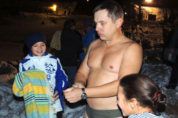 Семья Лукашиных превратила праздник в семейный.