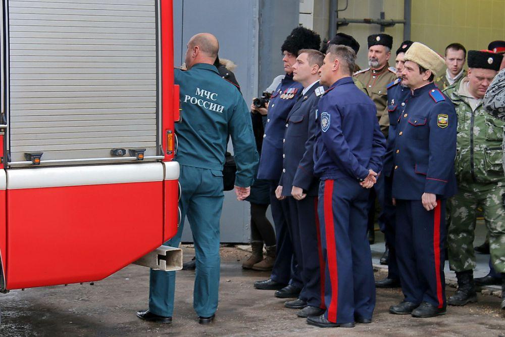 Устройство техники пожарных - одна из дисциплин курса обучения.