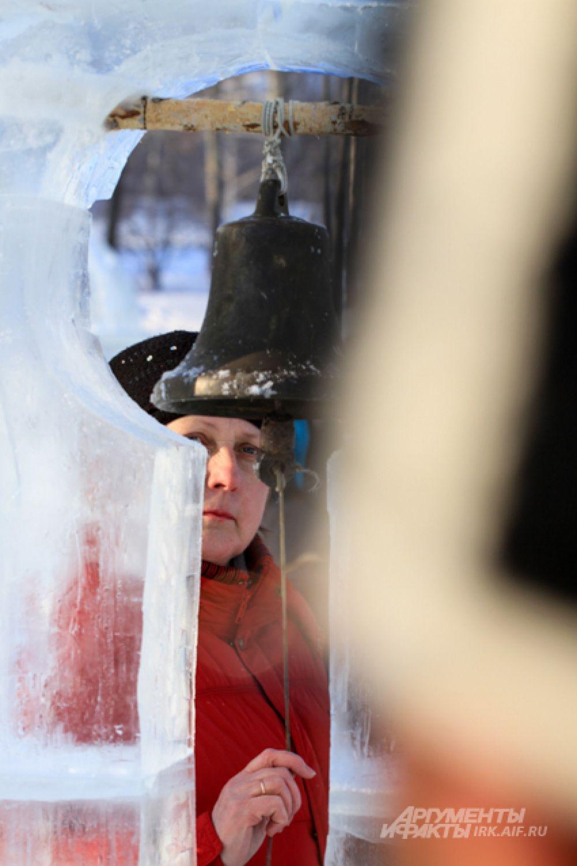 Здесь можно увидеть и ледяную колокольню.
