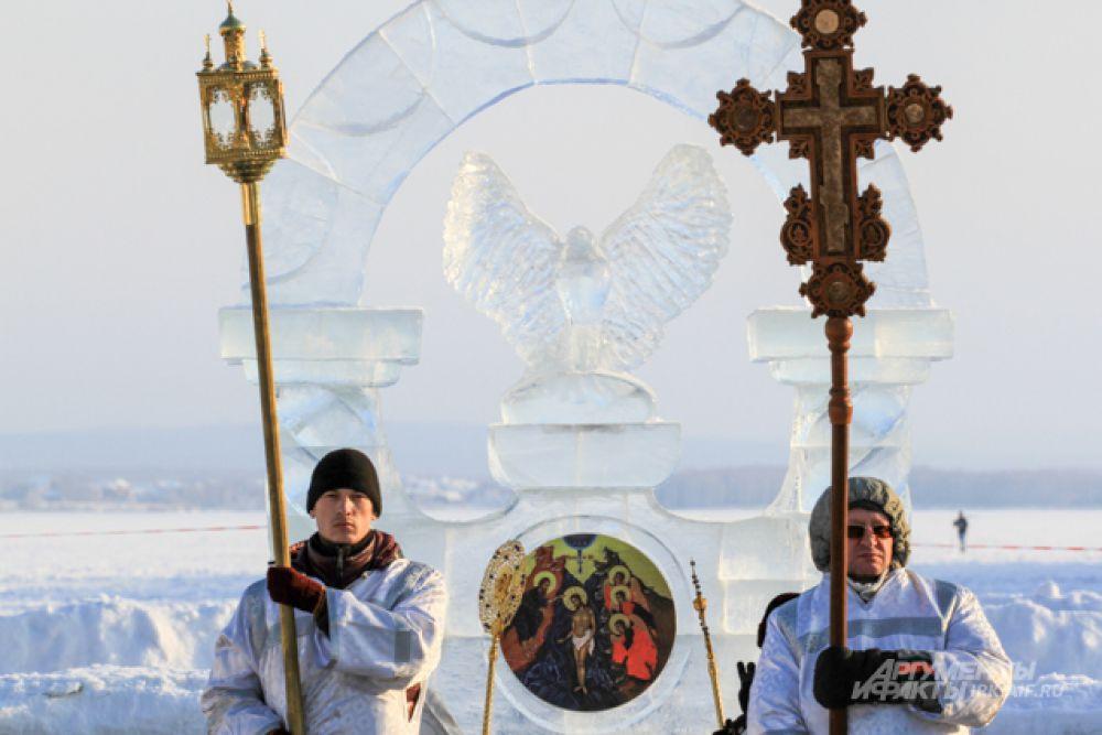 И другие символичные ледяные постройки.