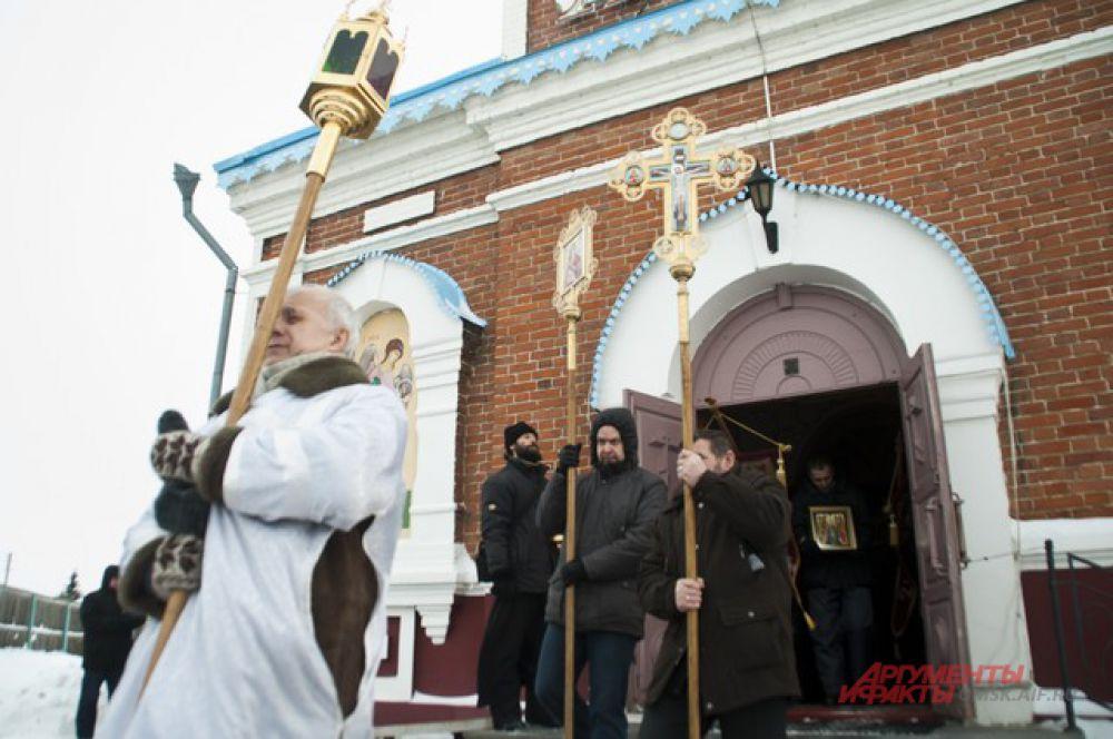 Крестный Крещенский ход в Большекулачье.