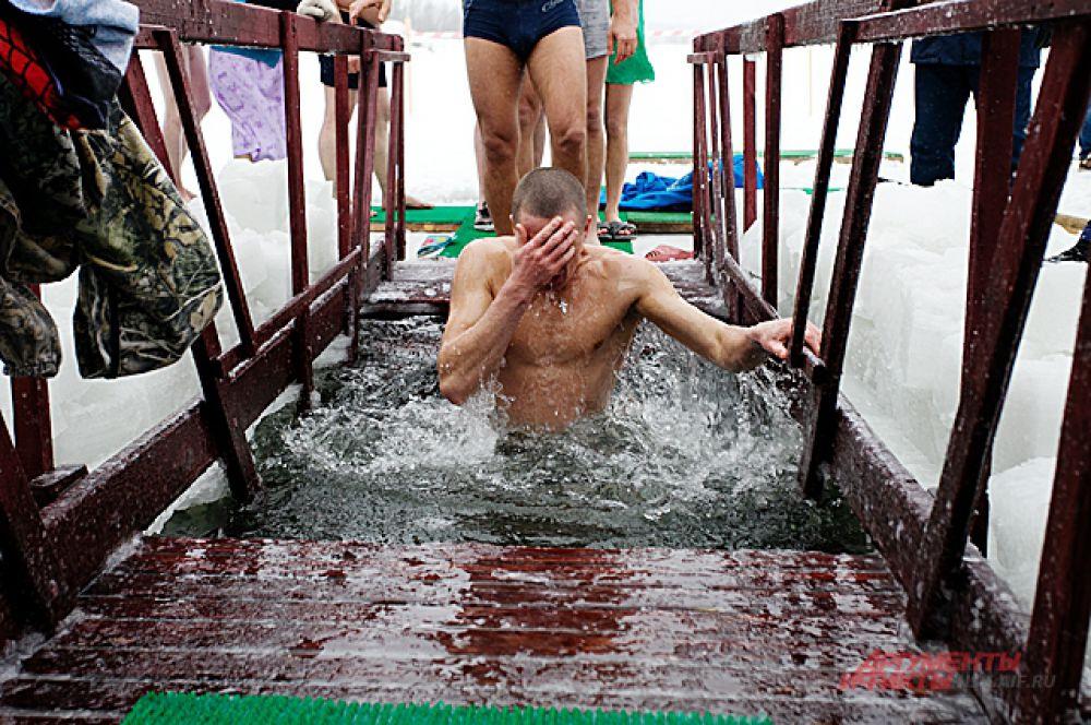 В Новосибирске для крещения было вырублено около 10 купелей
