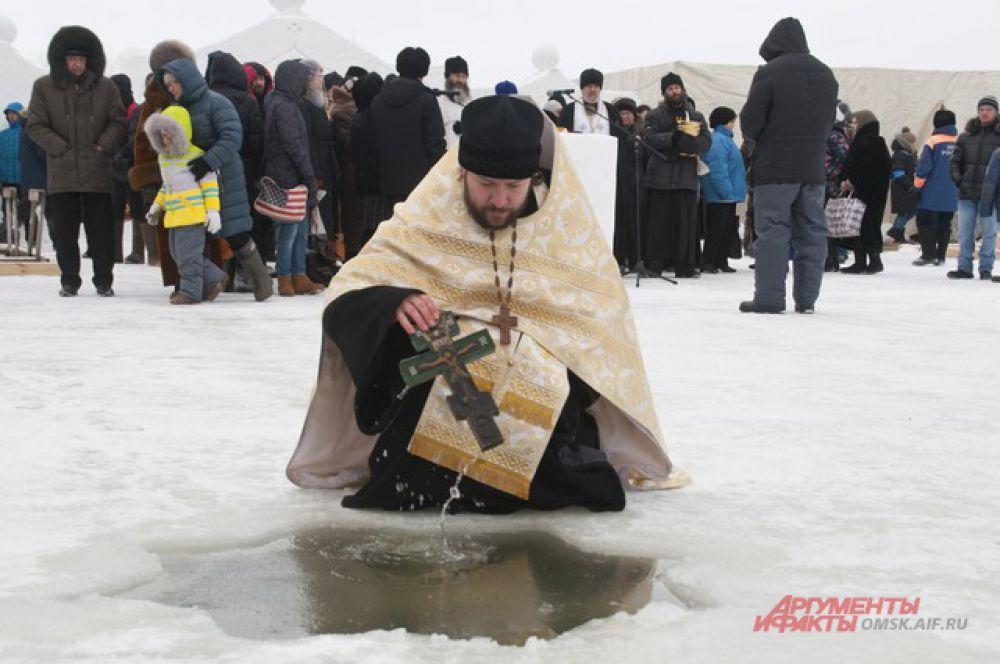 Крещенские купания в Большекулачье Омской области.