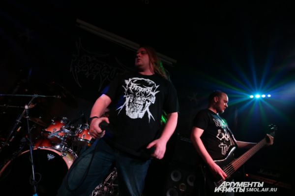 Сябры-металисты из Минска взорвали смоленскую сцену классическим тяжелым саундом.