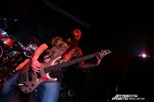 Константин Родин – бас-гитарист группы Cist.
