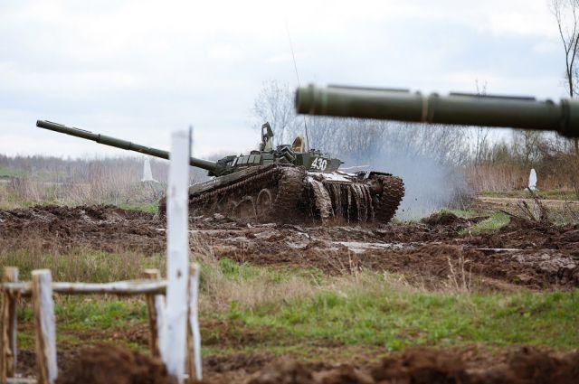 В прошлом году в «Танковом биатлоне» победил российский экипаж.