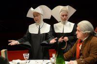Сцена из спектакля «Кант» в постановке Миндаугаса Карбаускиса в театре им. Маяковского.