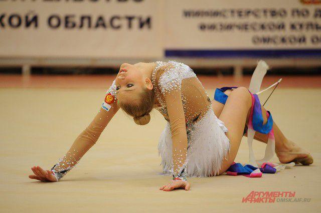 Омские гимнастки стали лучшими в командном зачете на первенстве Сибирского округа.