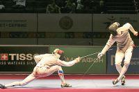 Омские фехтовальщики демонстрируют свои навыки.