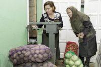 За год картофель поднялся в цене на 10%, а капуста подорожала в 2,5 раза.