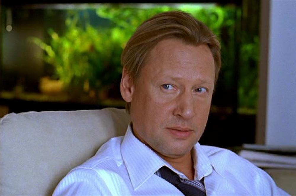 На фильм, с которого началась кинокарьера актера в 1976 году, в 2008 году был сделан римейк. В современном «Розыгрыше» Дмитрий Харатьян исполнил роль отца одного из главных героев ленты.