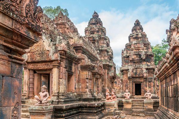 Ни капсула, заложенная при начале строительства, ни современные надписи со ссылкой на храм не были найдены. Поэтому его первоначальное название неизвестно. Но возможно, храм был известен как Varah Vishnu-lok (дословно: Местоположение Святого Вишну).