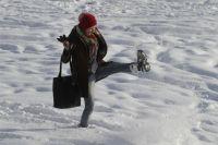 Занятия в школах Омска начнут отменять, если столбик термометра опуститься ниже -30 градусов.
