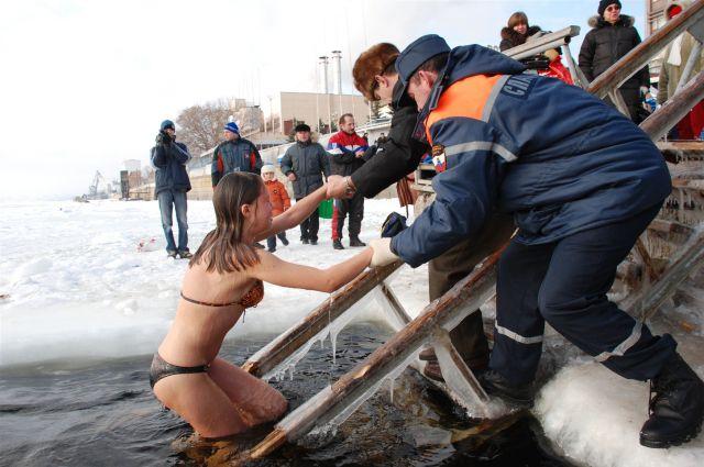 Крещенские купания пользуются популярностью у жителей Иркутской области.