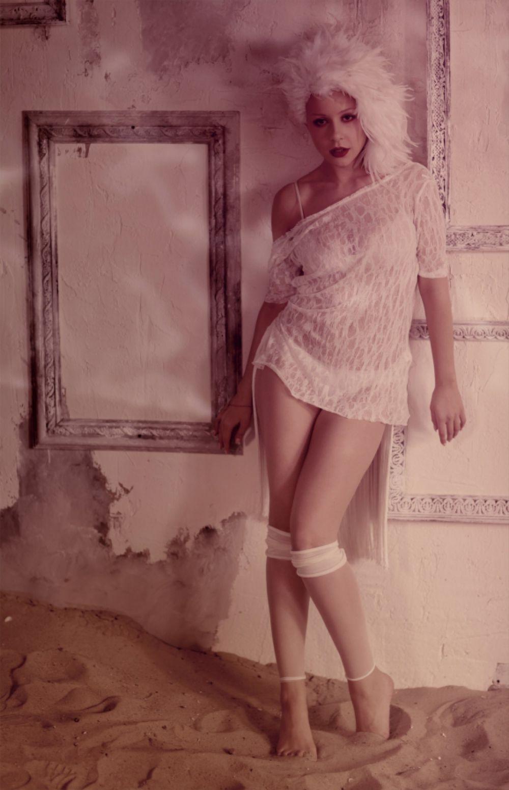 Тина Кароль в одной из своих фотосессий