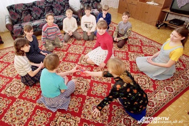 Детские дома контролируются официальными структурами не должным образом?