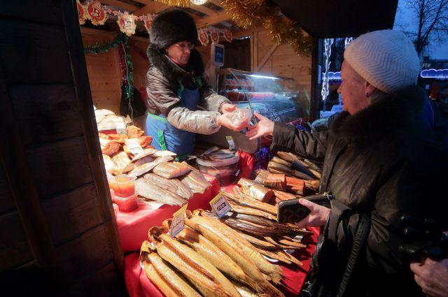 На ярмарке можно приобрести натуральные продукты по низким ценам.