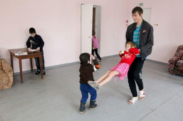 В настоящее время на Дону находятся 38390 жителей Украины. В пяти ПВР размещен 1651 человек, в том числе 535 детей. Остальные нашли приют у родственников и близких.