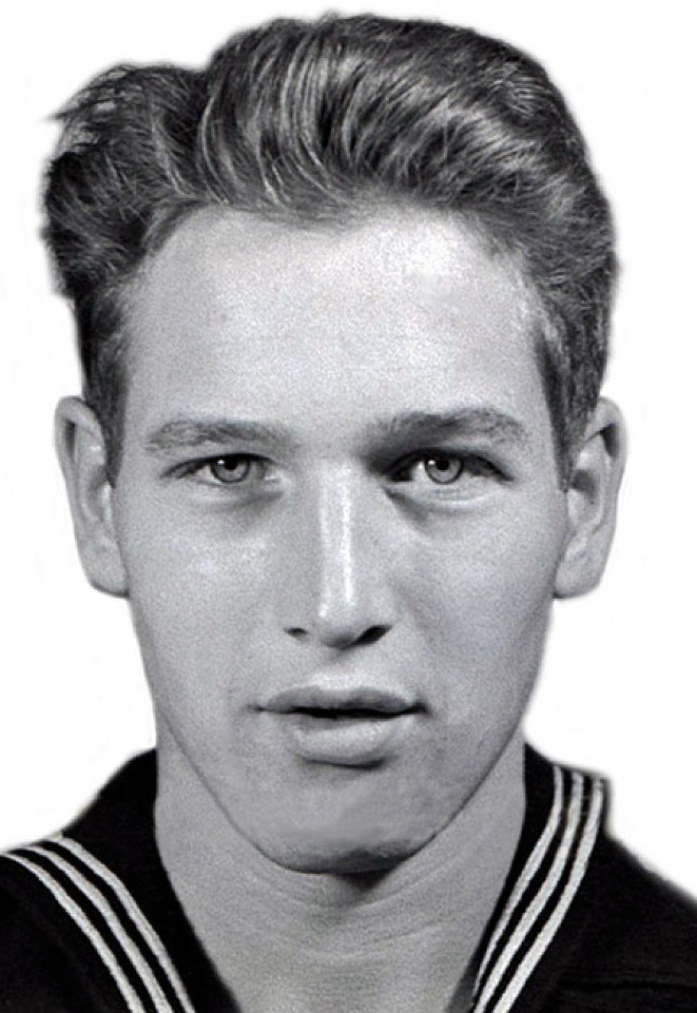 Пол Ньюман родился 26 января 1925 года в Кливленде. Он служил на флоте, а после войны унаследовал от отца магазин спортивных товаров. Но мечтою Ньюмана было стать актером: распродав имущество, он поступил в Школу актерского мастерства Йельского университета .