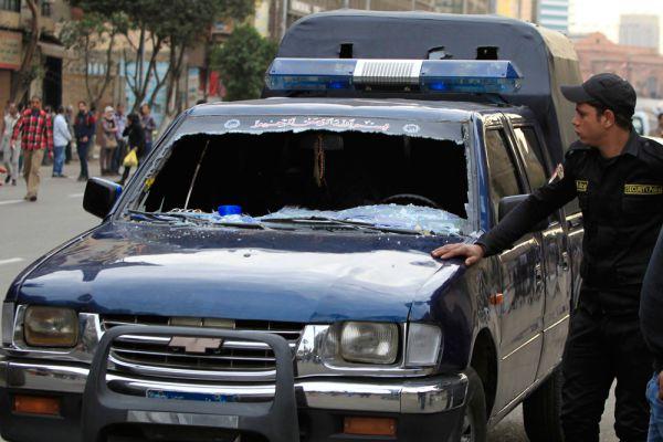 Как заявляют в МВД страны, к этому часу также погибли двое сотрудников полиции.