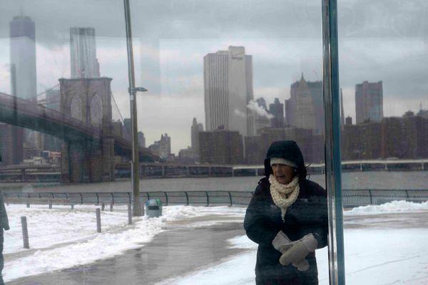 Согласно заявлению Национальной метеорологической службы, шторм, известный как американский норд-ост, принесет много снега, ураганные ветры и вызовет прибрежные наводнения во многих районах.