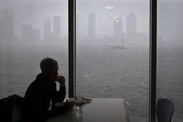 Государственный климатолог Дэвид Робинсон констатировал, что шторма подобной силы не было с 1899 года.