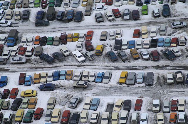 Платные парковки должны будут решить проблему пробок.