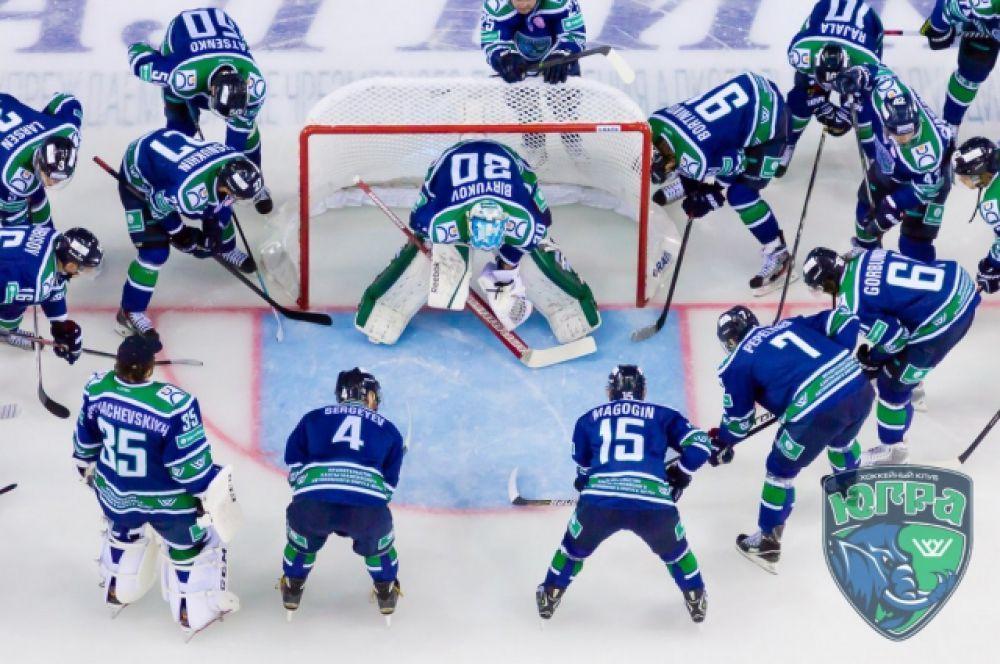 Есть и своя хоккейная команда, которая уже не первый год выступает в Континентальной хоккейной лиге.