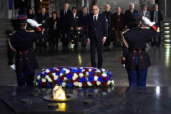 В торжествах приняли участие делегации из 49 стран мира, в том числе 12 президентов и пять премьер-министров, представители крупнейших международных организаций. В частности, президент Франции Франсуа Олланд.