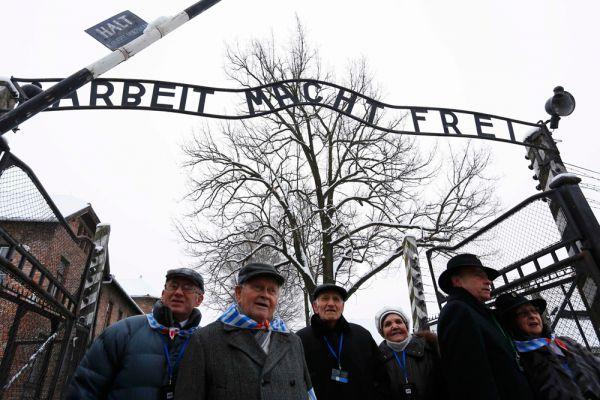 В Освенциме фашисты уничтожили около 1,4 млн человек, в том числе 1,1 млн евреев.