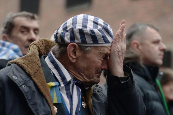 Бывший узник концентрационного лагеря Аушвиц Игорь Малицкий на мероприятии, посвященном 70-летию освобождения концентрационного лагеря Аушвиц-Биркенау, в Освенциме.