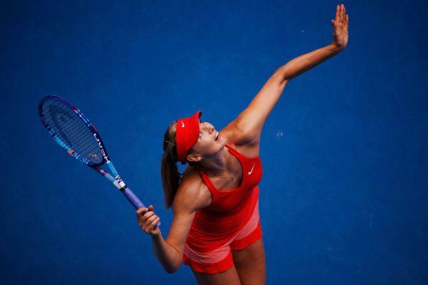 Маша и первая подача. Мария Шарапова в четвертьфинальном матче Australian Open против канадки Эжени Бушар.