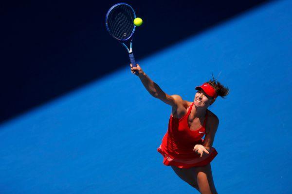 Мария Шарапова в матче первого круга Australian Open против хорватки Петры Мартич.