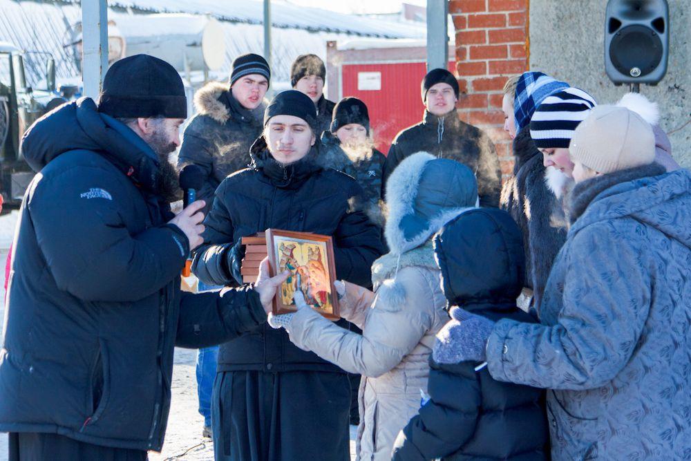 Никто из участников Крещенских семейных стартов не остался без подарков.
