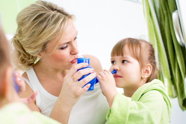 Чем промыть ребенку нос
