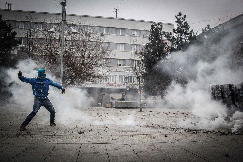 Среди них оказался и мэр Приштины Шпенд Ахмети, представитель радикального движения «Самоопределение».