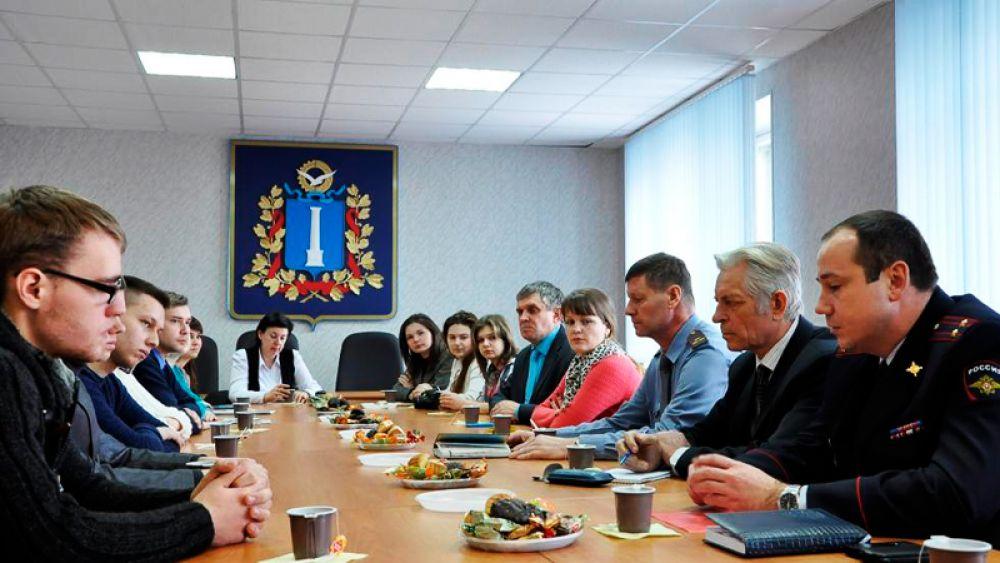 Чаепитие  с сотрудниками управления по работе с личным составом УМВД