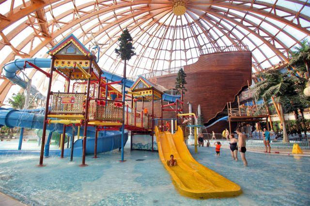Единственный в Омске аквапарк закрыт по решению суда.