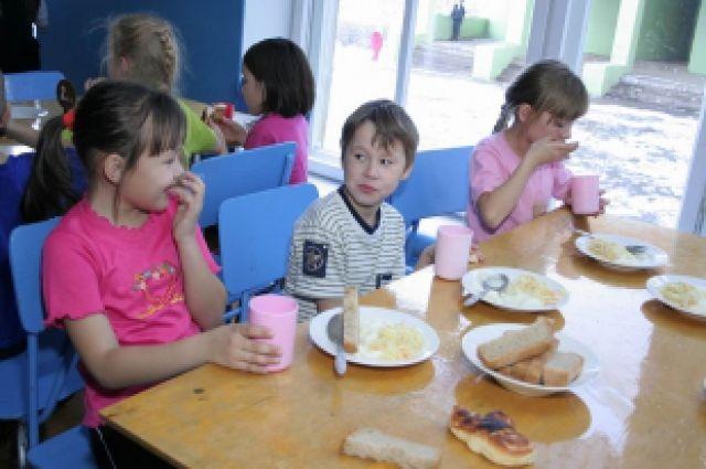 С 1 февраля будет пересмотрена система дотаций школьного питания.