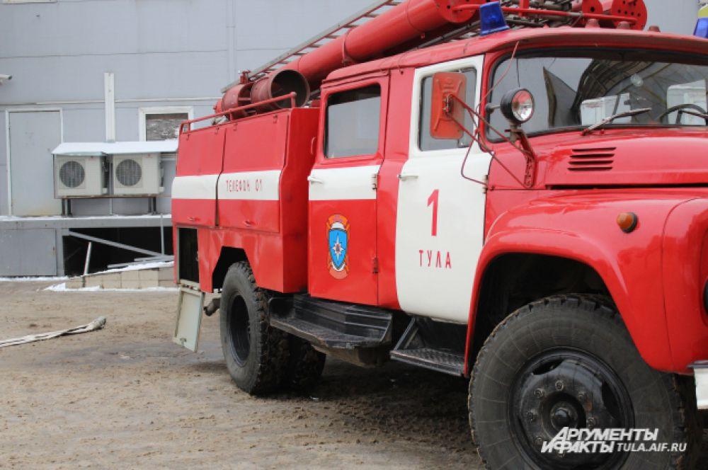 Кстати, для тушения пожара до приезда МЧС, в ТЦ предусмотрен внутренний противопожарный водопровод.