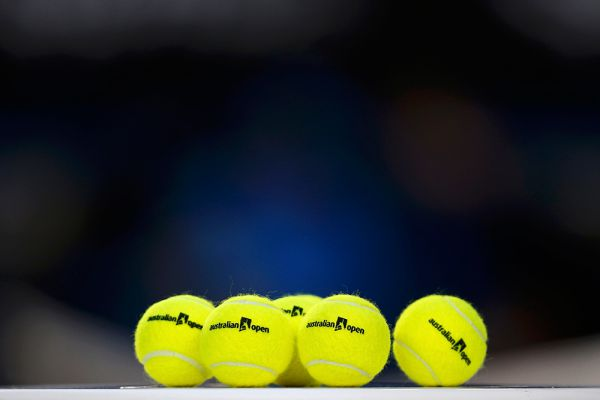 Отметим, что Серена Уильямс продолжила победную серию в матчах с Марией Шараповой - теперь уже 16 матчей подряд выиграла американка. Идет 11-й год, как Серена побеждает Марию.