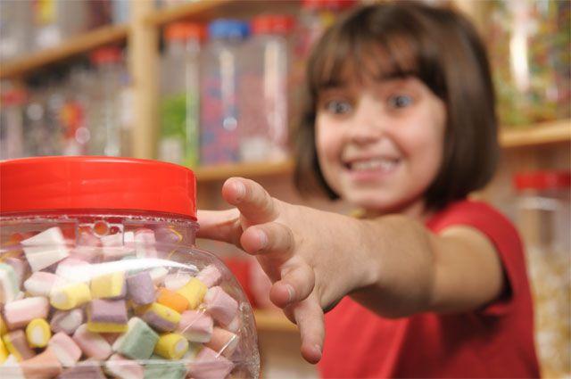 Любовь к сладкому может привести к проблемам со здоровьем.