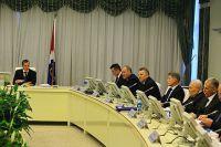 Совещание проводит Полномочный представитель Президента в ДФО Юрий Трутнев.