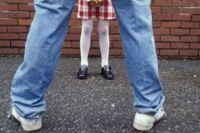 Ребёнок физически не может противостоять взрослому.