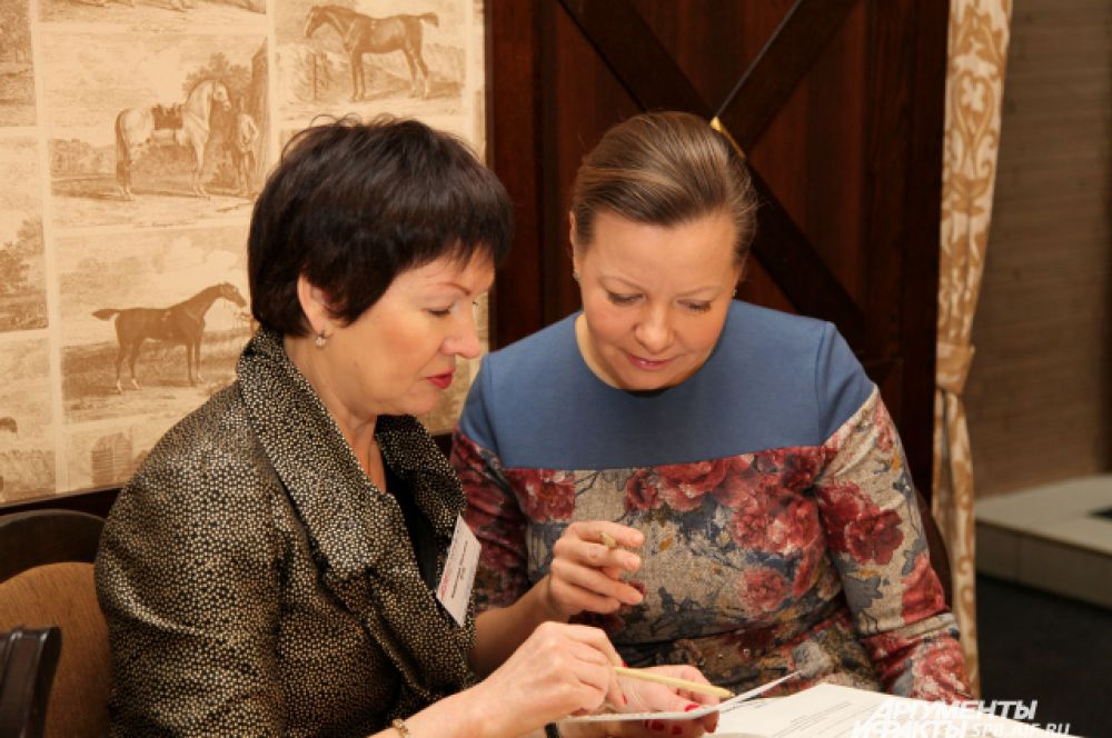 Татьяна Хоботова (ВТБ 24) и Ирина Онищенко (ГК Эталон)