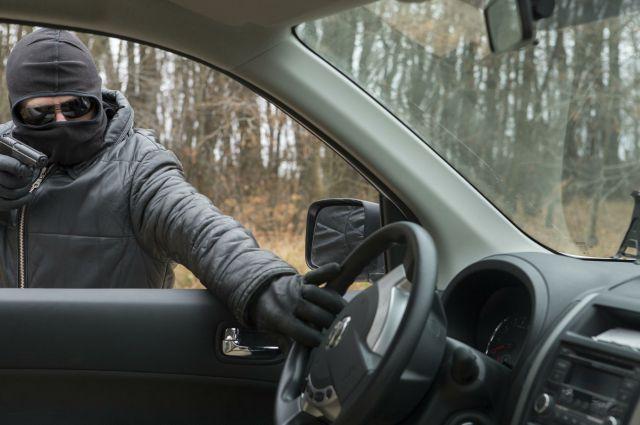 Автоугонщик может представлять серьёзную угрозу владельцу машины.