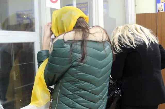 Задержанные за занятие проституцией девушки.